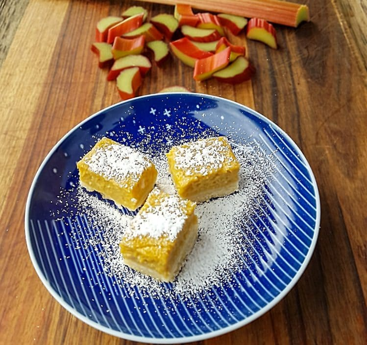 rhubarb and ginger slice